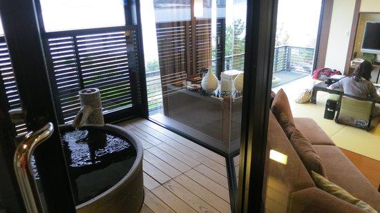 Naniwa Issui: 部屋の露天風呂