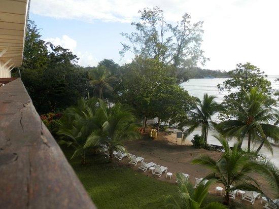 Playa Tortuga Hotel & Beach Resort: Poca playa