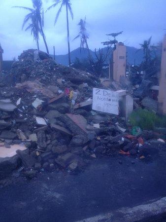 GV Hotel, Tacloban City: awful destruction all around