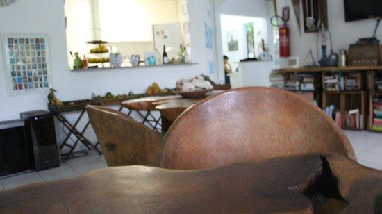 Praiagogi Boutique Pousada: zona de recreacion y desayuno para el que lo desee