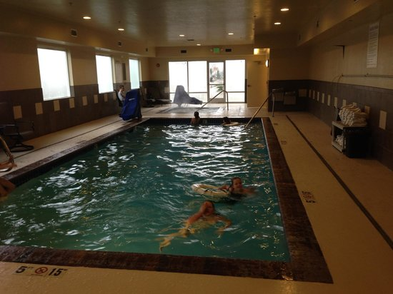 Holiday Inn Express Suites Chehalis - Centralia: Great Pool