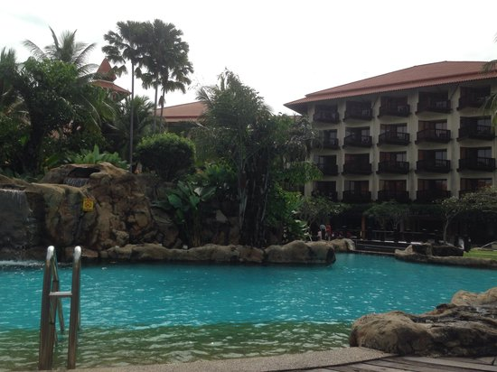 Sutera Harbour Resort (The Pacific Sutera & The Magellan Sutera): Icy pool