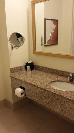 B Ocean Resort Fort Lauderdale: bathroom
