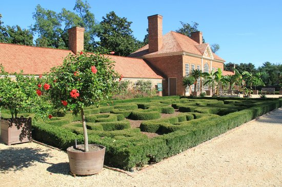 George Washington's Mount Vernon: Upper Garden and Greenhouse