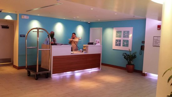 B Ocean Resort Fort Lauderdale: lobby area