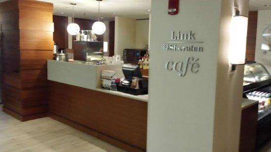 B Ocean Resort Fort Lauderdale: lobby cafe