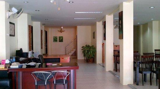 Baan Pulaoon: Foyer