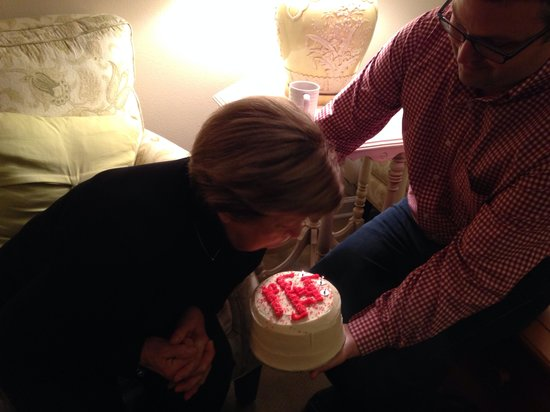 Sugar Bakeshop: Red velvet birthday cake!
