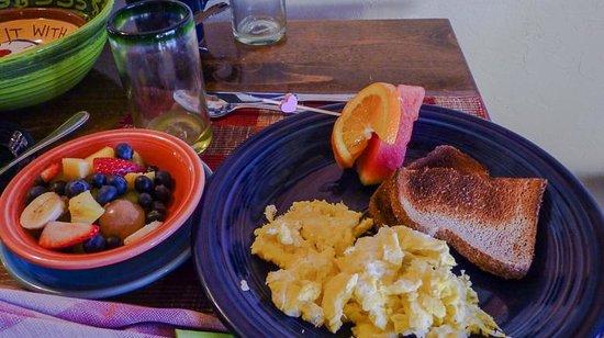 Bear Mountain Lodge : Breakfast