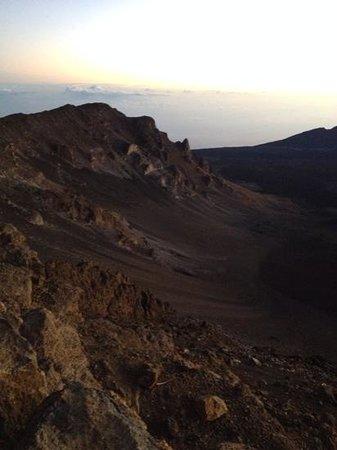 Haleakala Crater: crater landscape at dawn