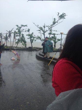 Leyte Landing Memorial: visiting tourists