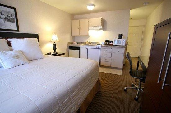Inn at Seaside: King Kitchenette room