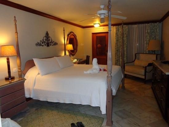 Sandals Halcyon Beach Resort: room 504