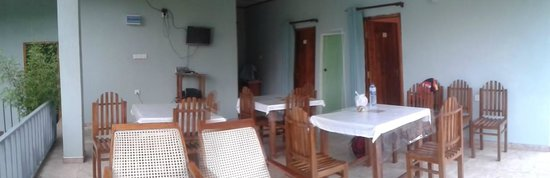 Little Heaven Home Stay: Dining and hangout area