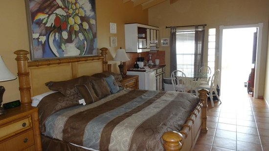 Mary's Boon Beach Hotel and Spa: room # 14 from bathroom