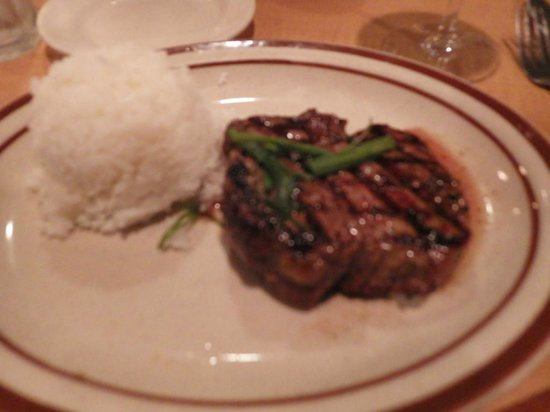 The Bull Shed Restaurant: ヒレステーキは普通サイズ