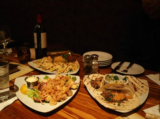 Twigs Bistro and Martini Bar: Trio of appetizers