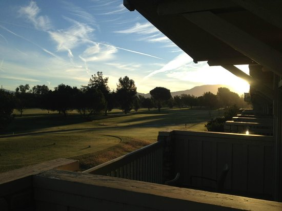 Temecula Creek Inn: Morning View!