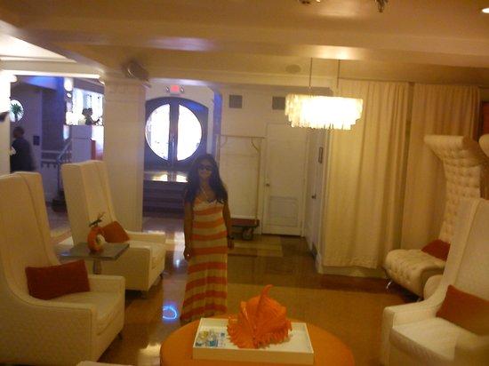 Beacon Hotel: hall