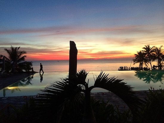 Chen Sea Resort & Spa Phu Quoc : Pool at sunset