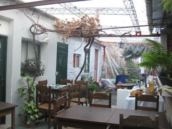Che Lagarto Hostel Colonia : Área do Café da Manhã