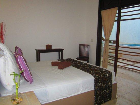 Hotel Latino: Standard room