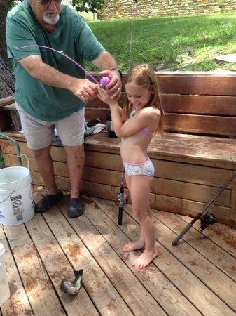 River Run Cabins: Catching a fish