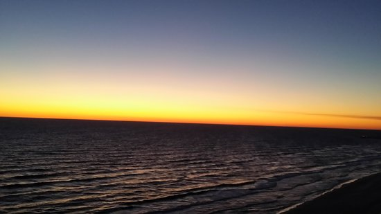 Wyndham Vacation Resorts Panama City Beach: Sunset from 18th floor balcony