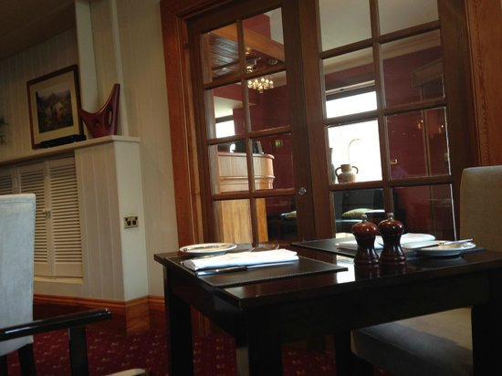 Clarion Hotel City Park Grand : In Larceny restaurant, looking through to reception