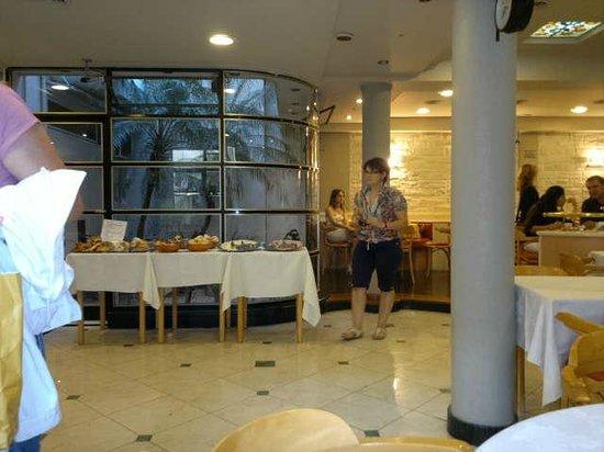 Sarmiento Palace Hotel: en el comedor durante el desayuno