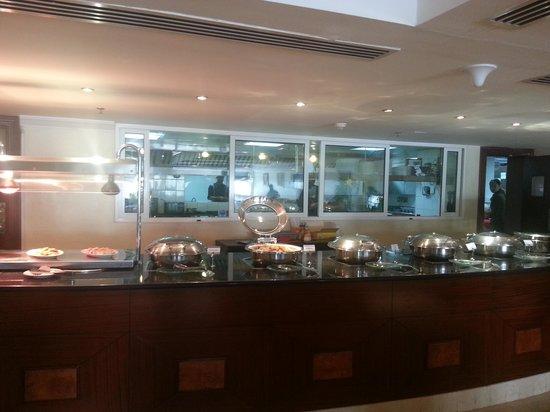 Swiss-Belhotel Doha : coffee house