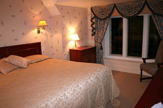 Broome Park Golf and Country Club: Beautiful bedroom in Barham suite, Broome Park