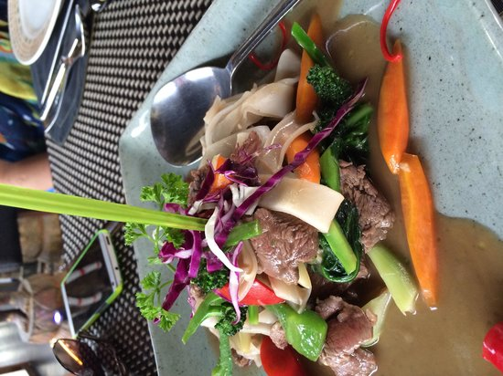 The Square 24: Stir fried beef with rice noodles