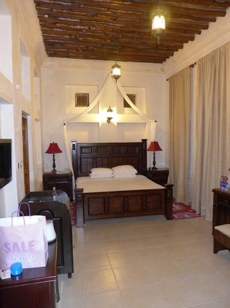 Barjeel Heritage Guest House: The Room