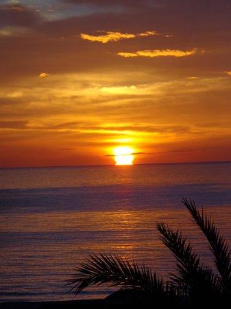 Iberostar Averroes: Sonnenaufgang vom Balkon aus gesehen