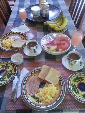 La Villa de Soledad B&B: Desayuno - Breakfast