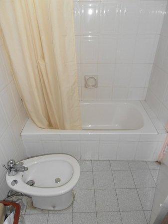 Capitol Hotel: ванна
