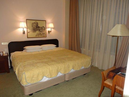 Hotel The Manhattan : ベッド