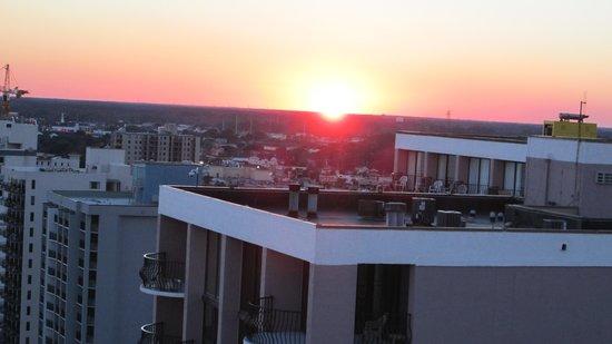 Carolinian Beach Resort: sunset