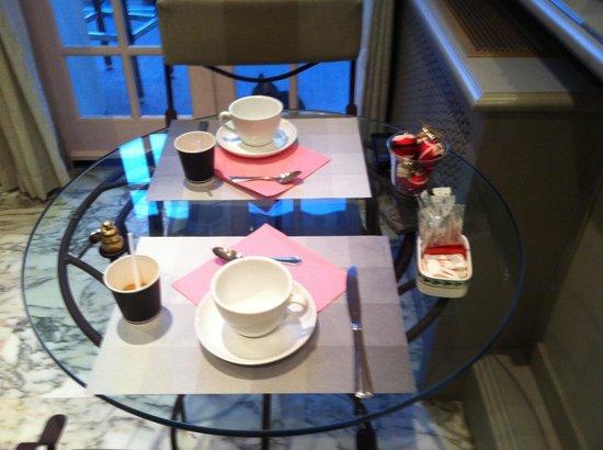 Hotel Villa Victoria: La colazione