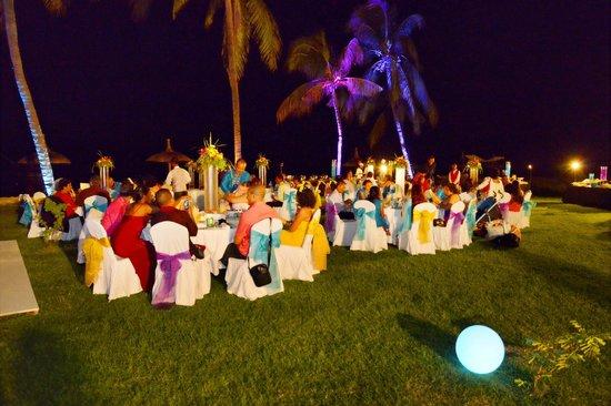 Sofitel Mauritius L'Imperial Resort & Spa: Salle ouverte a la belle étoile