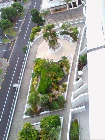 Ramada Suites Nautilus Orewa: 12 floors..