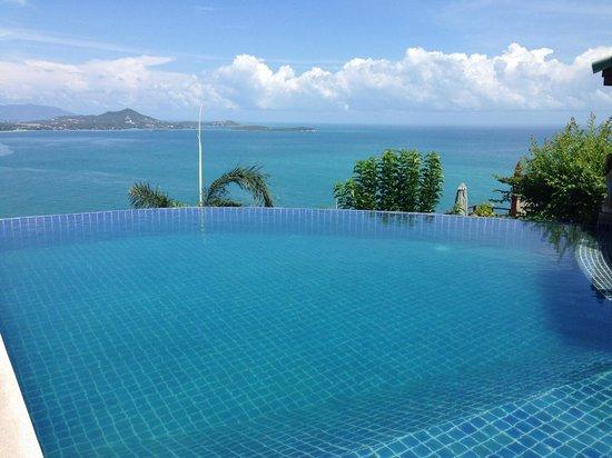 Sandalwood Luxury Villas : Beautiful Infinity Pool