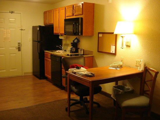 Candlewood Suites Destin-Sandestin : Kitchen