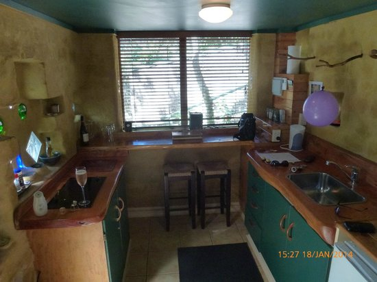 Palm Beach Bungalows: Kitchen area
