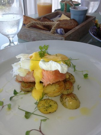 The Boatshed: One of the OMG breakfasts!