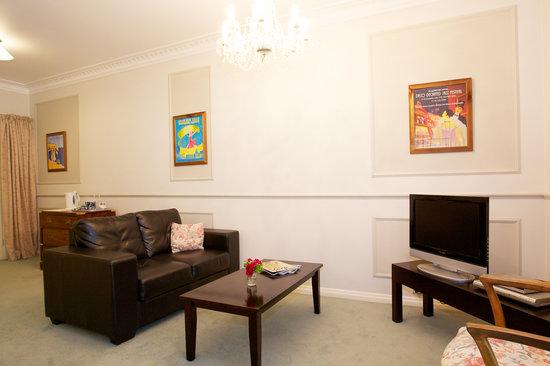 Havelock House : Napier suite sofa/TV