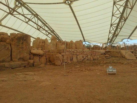 Templos Megalíticos Mnajdra: Мнайдра