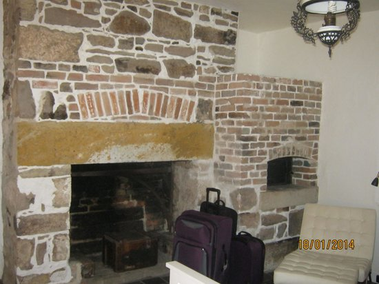 Cleburne Homestead: Fantastic Old Fireplace in the bedroom.