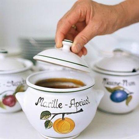 Pension Kristall: Selbstgemachte Marmelade zum Frühstück